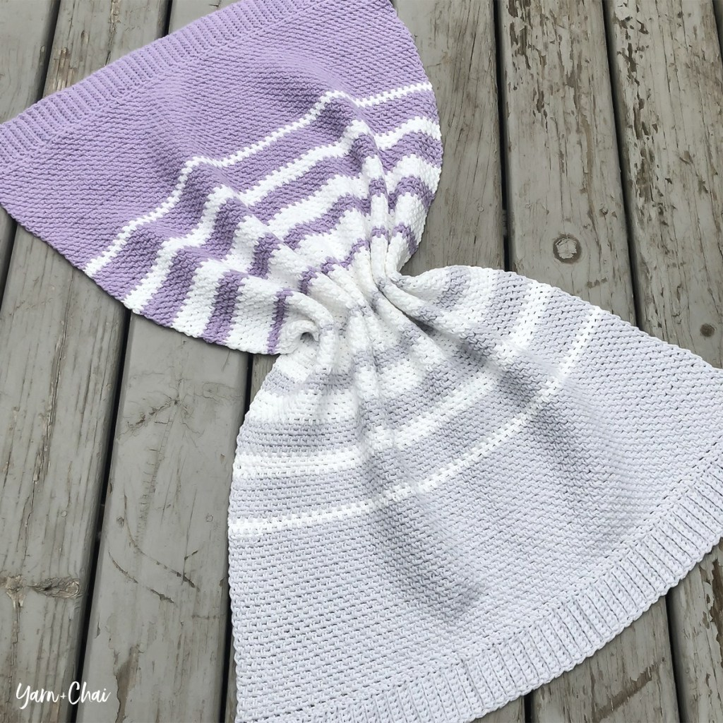 The linen stitch (or moss stitch, or seed stitch, or granite stitch) has become a popular choice for baby blankets, and it's easy to see why.