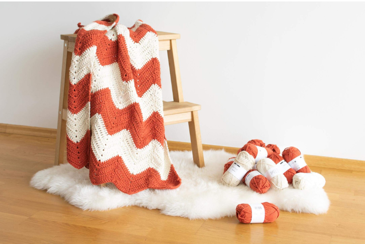 This chevron baby pattern comes with an easy step-by-step crochet tutorial to follow for all the visual learners out there.