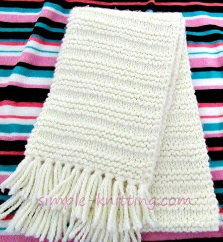 Beginner knitters will love this simple to knit scarf knitting pattern and all knitters will love the simplicity of a quick and easy knitting project.
