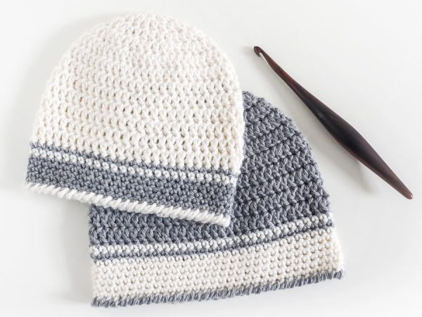 Single Double Crochet Baby Hat Pattern - If you're just learning how to crochet, this is an easy crochet hat pattern to start with. This pattern is made using a simple design that uses basic crochet stitches including the double crochet and single crochet stitch.