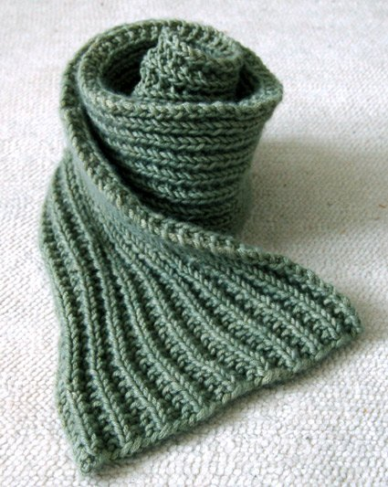 If you know how to knit and purl you can make this scarf.